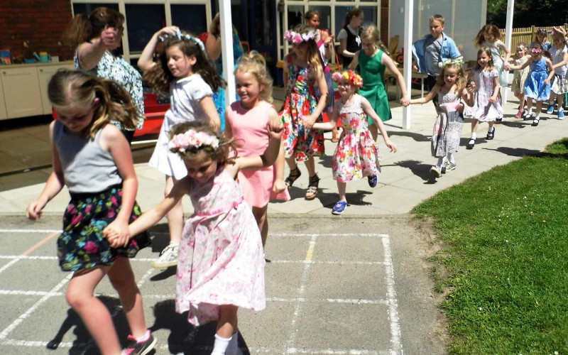 May day celebrations at Willam Penn Primary School